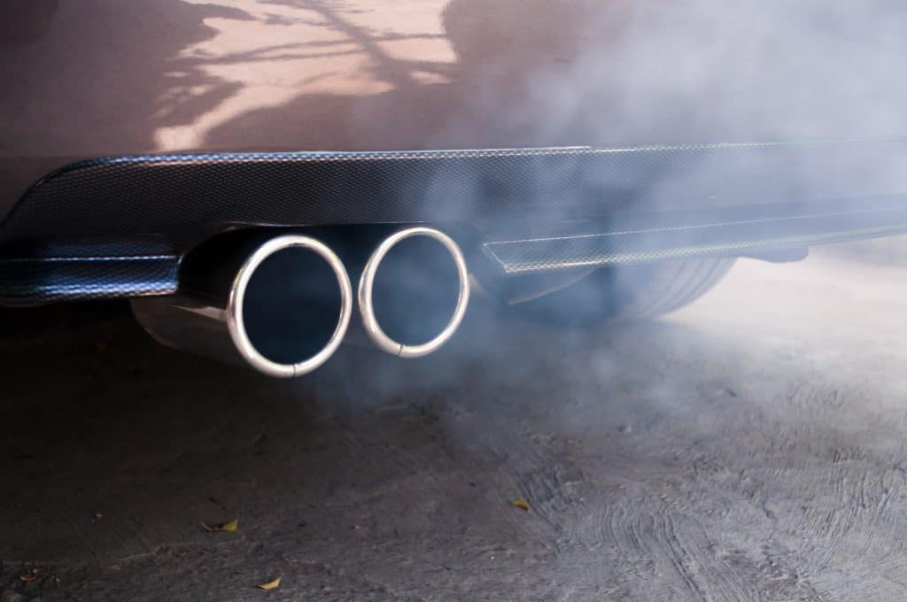 how hot does car exhaust get